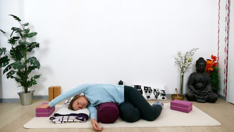 Restorative Yoga für Brust und oberen Rücken